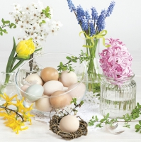 Servietten 33x33 cm - Spring Flowers in Glass Vases with Easter Eggs